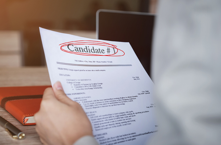 Hiring-The-First-Candidate-That-Applies