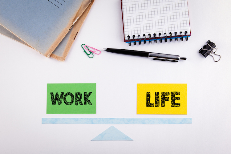 Set-clear-boundaries-between-your-work-and-personal-life