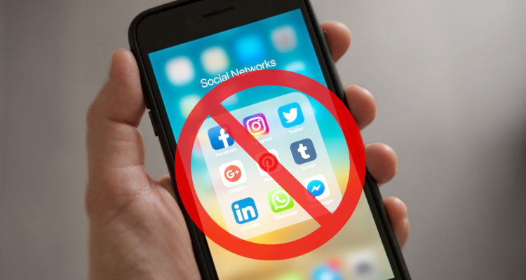 Stay Away From Social Media During Working Hours